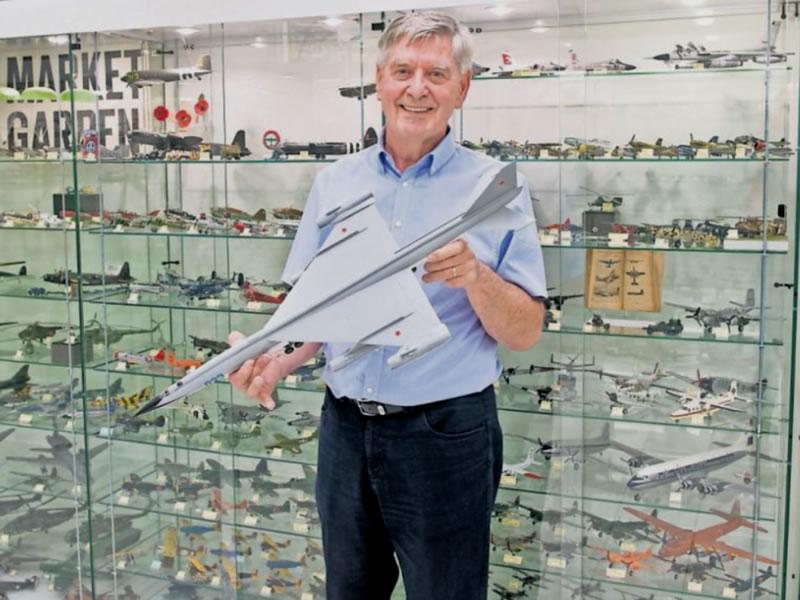 Ton Meijer - Vliegtuigmuseum REvolutie